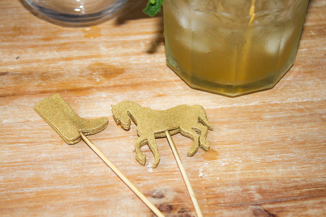 DIY Gold Kentucky Derby Cocktail Stirrers, cheers!