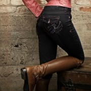 2KGrey denim jeans and boots